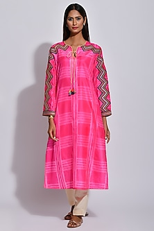 Raspberry Pink Braided Printed Kurta by Swati Vijaivargie