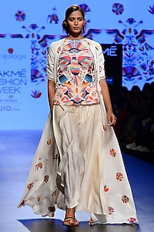 Off White Embroidered Jacket, Top and Pants Set by Swati Vijaivargie