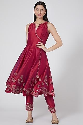 Reddish Pink Embroidered Angrakha Kurta Set by Sawan Gandhi
