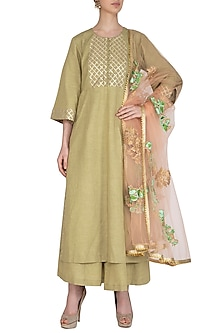 Mehendi Green Embroidered Kurta Set by Swati Jain