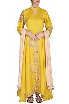 Yellow Zari Embroidered Kurta Set by Swati Jain