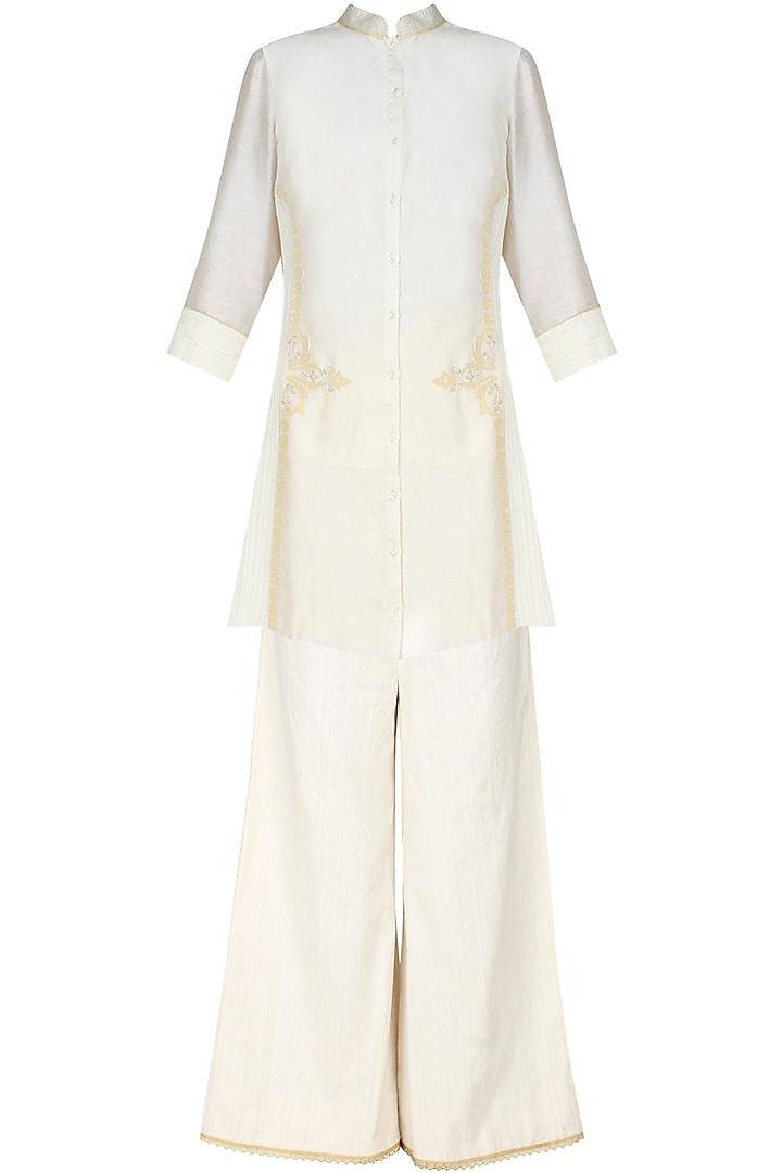 Ivory handcut motif back winged tall shirt by SWGT By Shweta Gupta