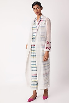 White Pintucked Trench Coat by Tahweave