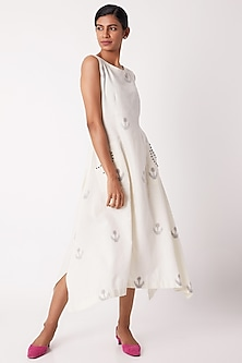 Off White Jamdani Dress With Pockets by Tahweave