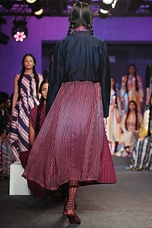 Purple Pleated Jamdani Dress by Tahweave