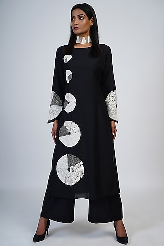 Black Embroidered Tunic Set by Taika By Poonam Bhagat