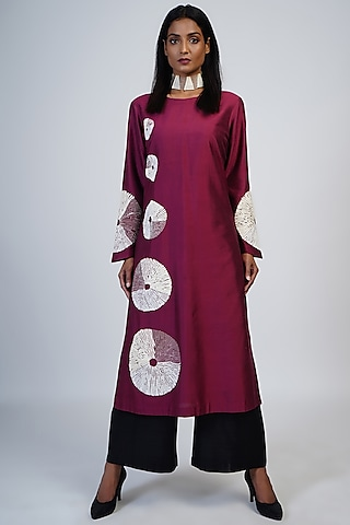 Ruby Embroidered Tunic Set by Taika By Poonam Bhagat