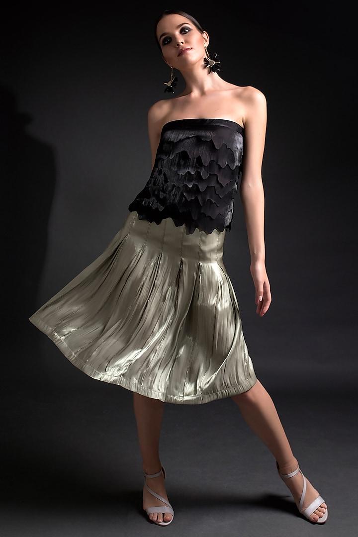 Green Box Pleated Skirt by Tara And I