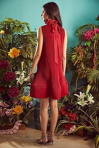 Red Ruffled Mini Dress by Tasuvure