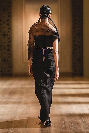 Black Saree Set With Structured Drape by Tarun Tahiliani