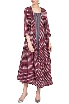 Plum box pleated overlayer jacket by Tahweave