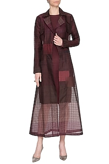 Plum shaded jamdani overlayer jacket by Tahweave
