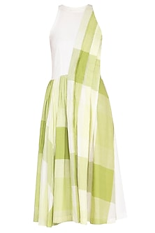 Green checks pleated dress by Tahweave