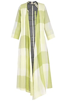 Green checks box pleated overlayer jacket by Tahweave