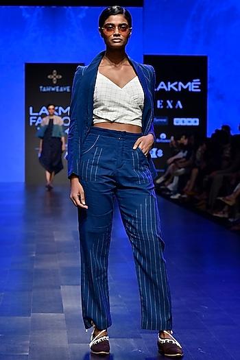Indigo & White Jamdani Blazer Jacket by Tahweave