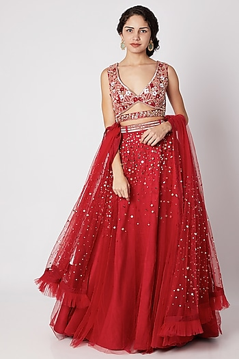 Red Embroidered Lehenga Set With Waist Belt by Tamaraa By Tahani