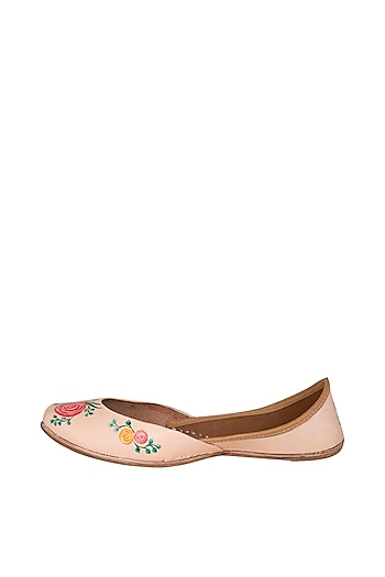 Peach Hand Painted & Handcrafted Juttis by The Haelli