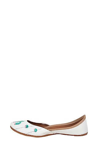 White Genuine Leather Hand Painted Juttis by The Haelli
