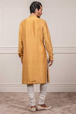 Mustard Pleated & Embroidered Kurta Set by Tarun Tahiliani Men