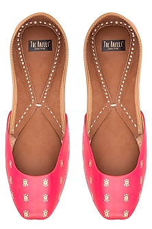 Hot pink hand painted juttis by THE HAELLI