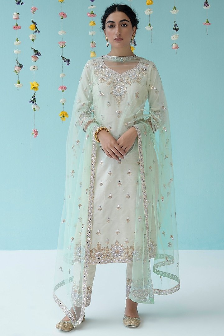Ivory Thread Embroidered Kurta Set by the Indian bridal company