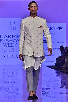 Ivory & Grey Floral Embroidered Kurta Set by TISA
