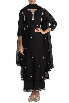 Black Embroidered Kurta Set by Tokree