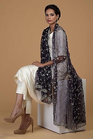 White Embroidered Kurta Set by Talking Threads