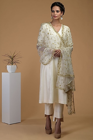 White Crystal Embroidered Kurta Set by Talking Threads