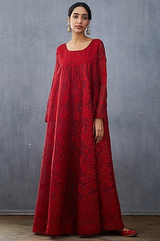 Red Embroidered Kurta With Dupatta by TORANI