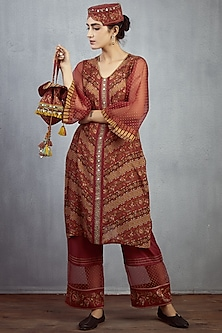 Maroon Chanderi Embroidered Potli by TORANI