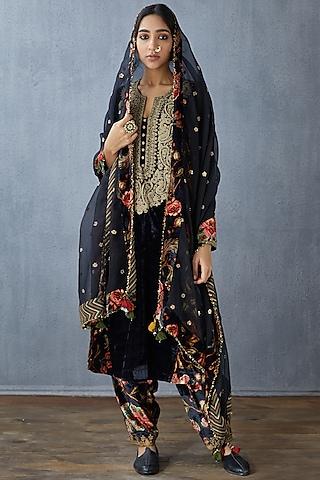 Black Embroidered Dupatta by TORANI