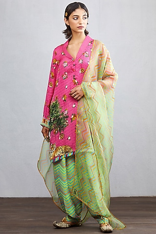 Rani Pink Printed Kurta Set by TORANI