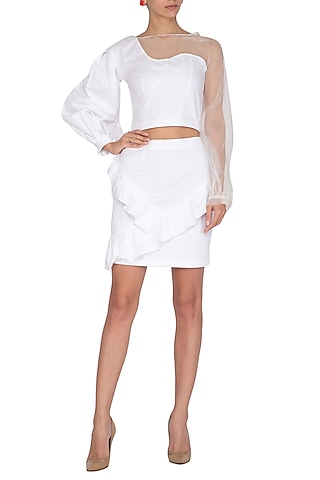 White Top With Voluminous Sleeve by Three Piece Company