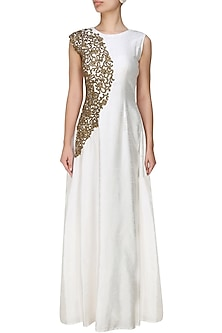 Smoke white zardozi embroidered gown by Tanya Patni