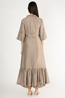 Grey Embroidered Kurta With Pants by The Right Cut