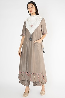 Grey Embroidered Chanderi Kurta With Pants by The Right Cut