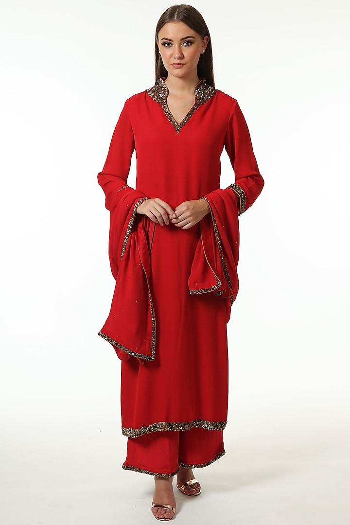 Red Embroidered Kurta Set by Trisvaraa