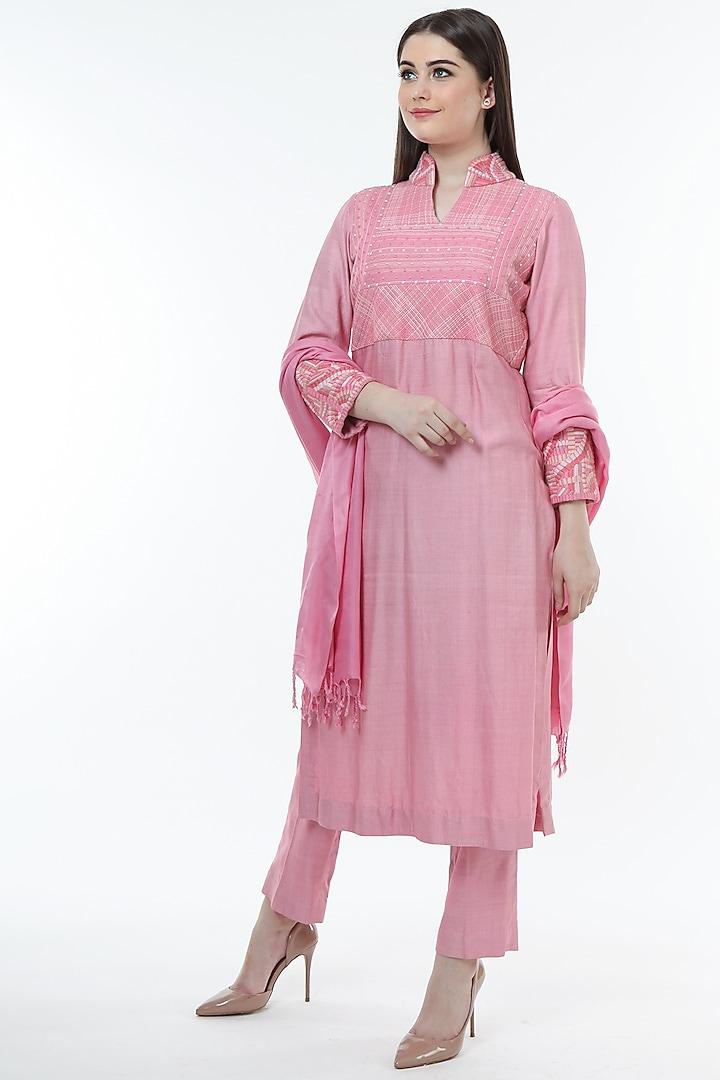 Pink Tussar Embroidered Kurta Set by Trisvaraa
