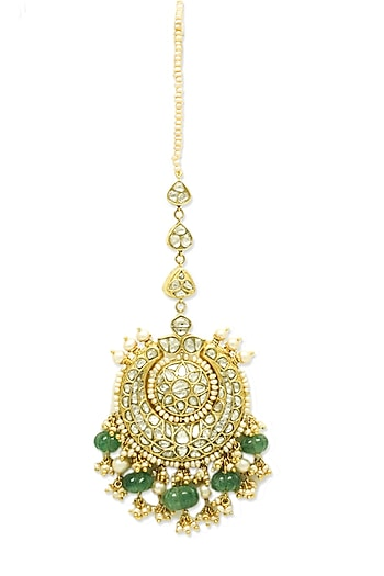 Gold Maang Tikka With Emeralds, Pearls & Polkis by Tyaani