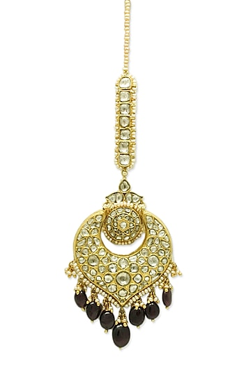 Gold Maang Tikka With Rubies & Polkis by Tyaani