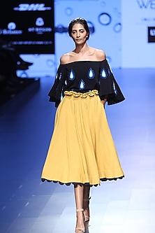 Yellow Bottom Scallop A Line Skirt by Urvashi Joneja