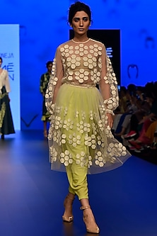 White Hexagon Applique Pleated Skirt by Urvashi Joneja