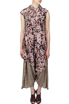 Blush and black printed asymmetric shirt by Urvashi Kaur