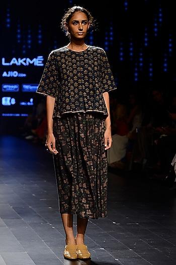 Indigo Blue Printed Midi Skirt by Urvashi Kaur