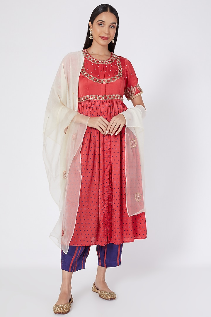 Red Embroidered Kurta Set by Upasana Gupta