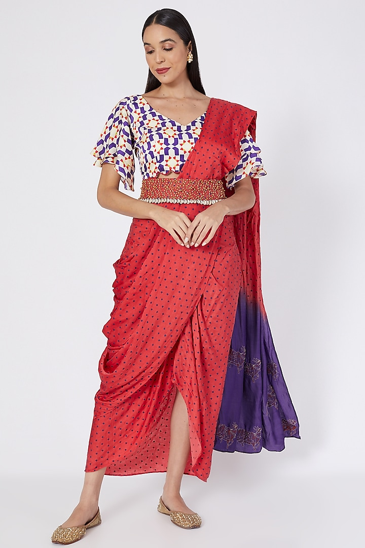 Red Embroidered Pre-Stitched Saree Set by Upasana Gupta