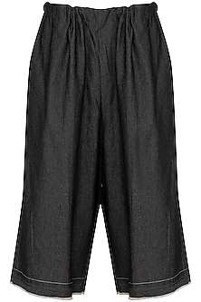 Grey Denim Culotte Pants by Kapda By Urvashi Kaur