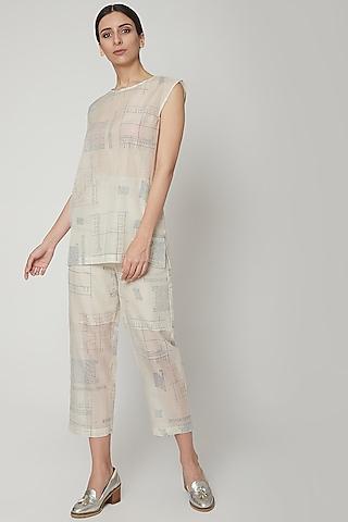 White Block Printed Crop Pants by Urvashi Kaur