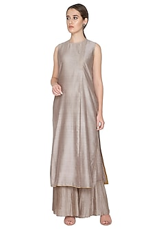 Grey Sleeveless Woven Tunic by Urvashi Kaur